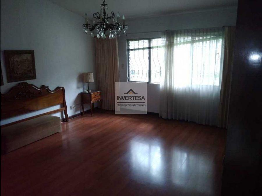 rento casa zona 10