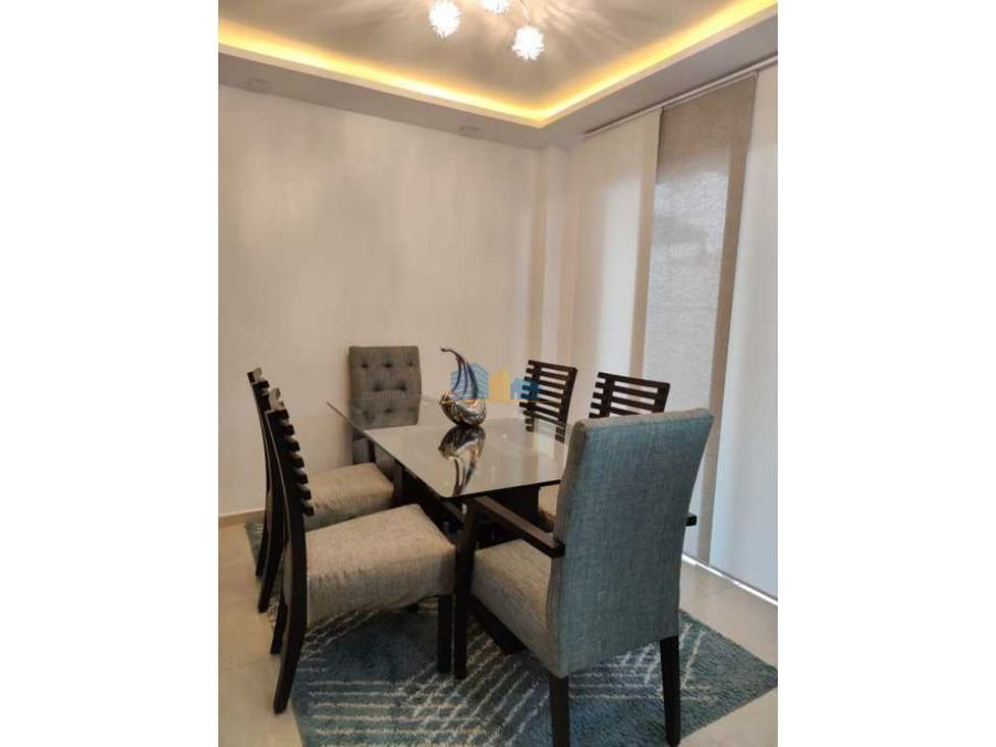 se alquila casa amoblada con lindos acabados y muebles