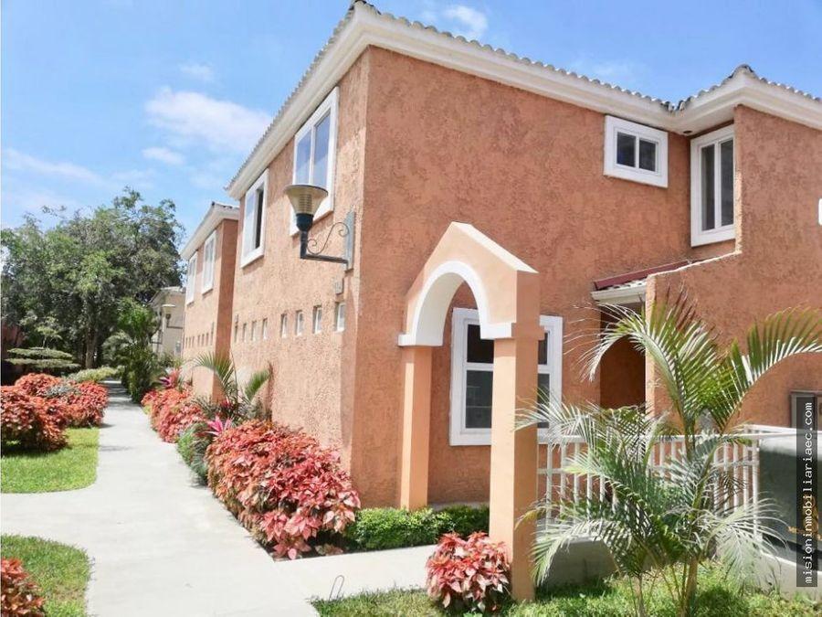 se alquila casa en urbanizacion privada