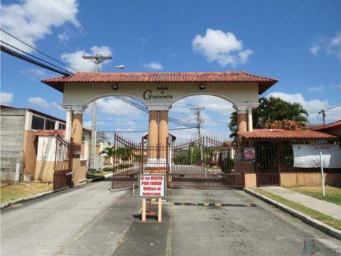 se alquila casa en urbanizacion quintas de gratamira amoblada 323m2