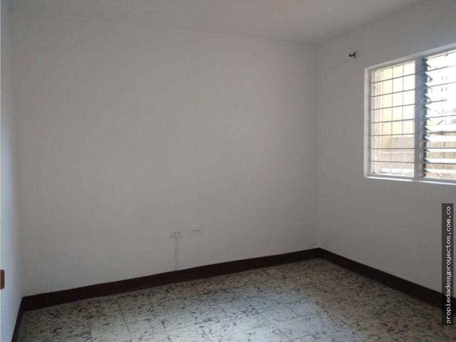 se alquila casa en guayabal sector campo amor