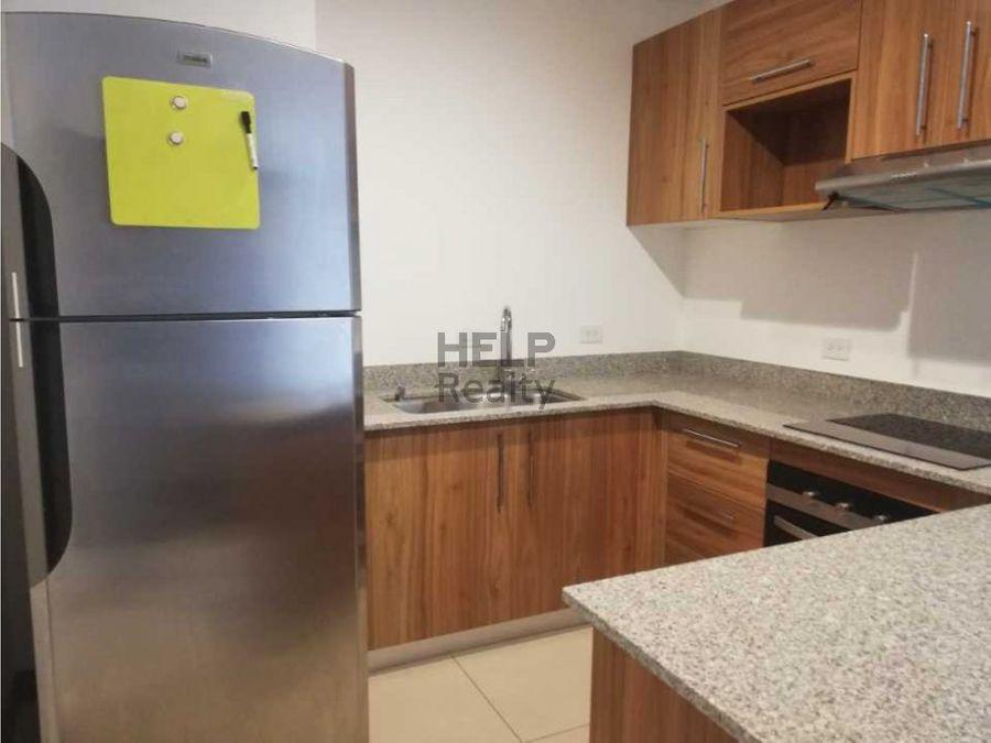 se alquila apartamento en condominio via natura