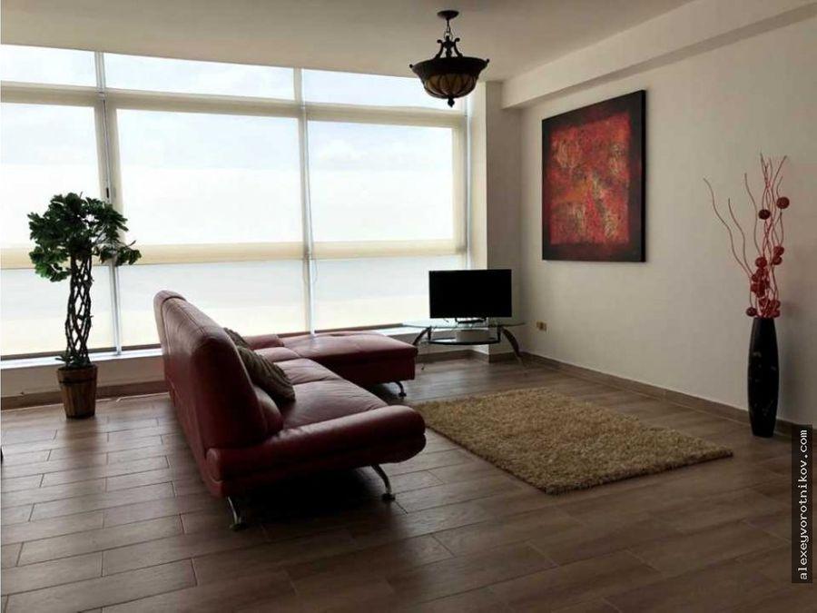 se alquila apartamento en bayfront