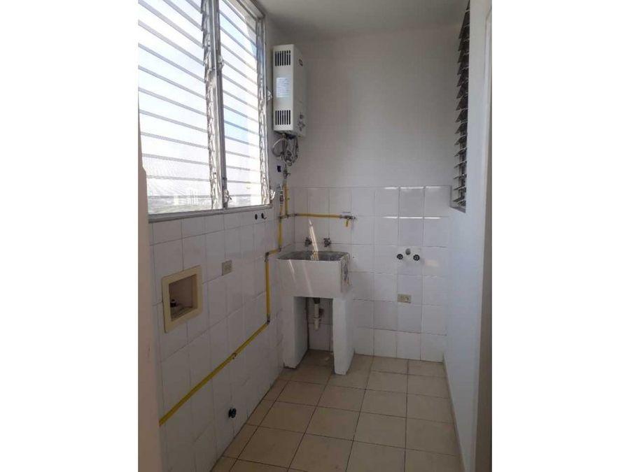 se alquila apartamento en san francisco 2hab gtb