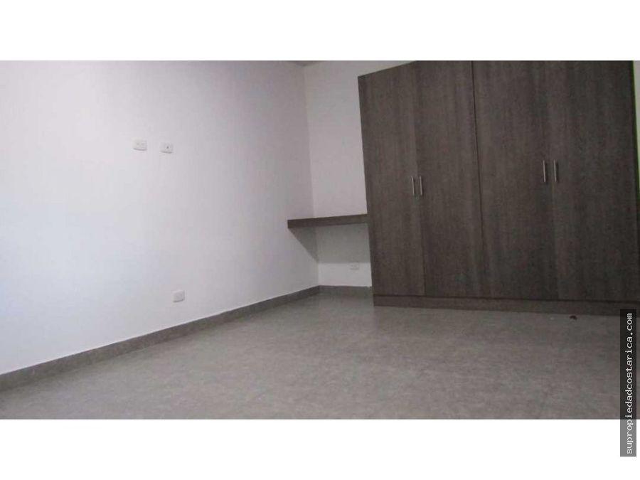 se alquila apartamento en santa ana pozos
