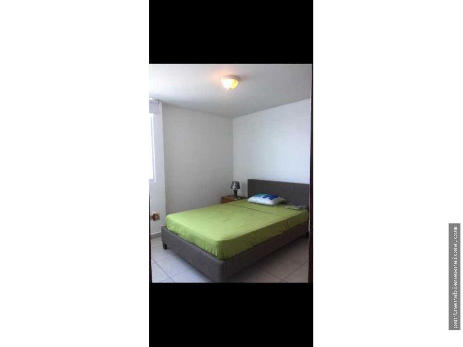 se alquila apartamento en ph terramar 3 recamaras 2 banos