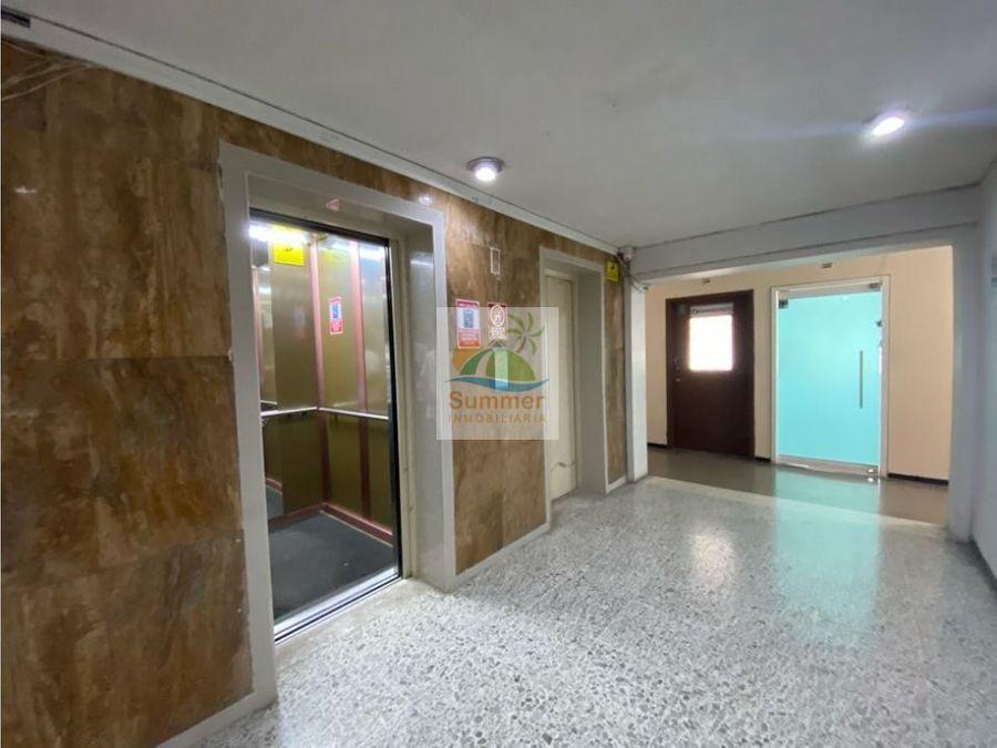 se arrienda oficina 25m2 edificio de los bancos