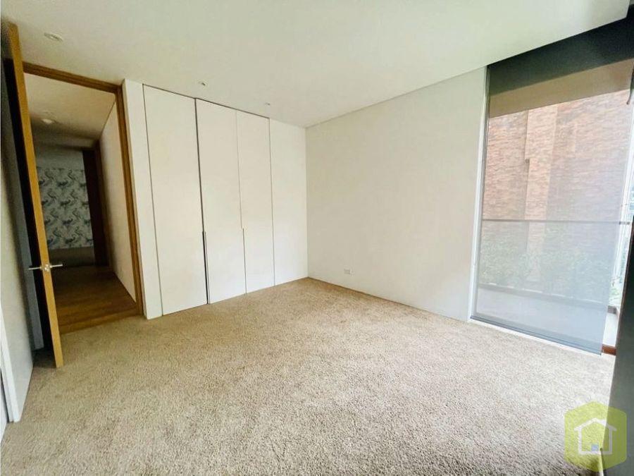 se arrienda apartamento en el retiro