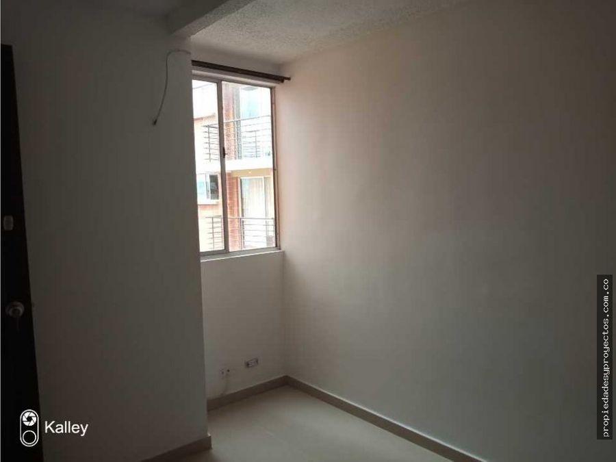 se arrienda apartamento en rodeo alto