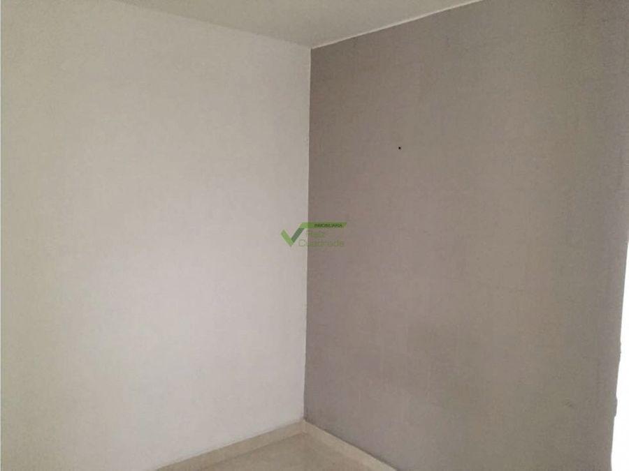 se arrienda apartamento periera via condina