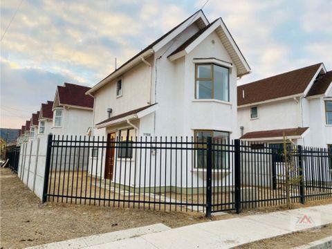 se arrienda hermosa casa nueva en sector residencial quillota