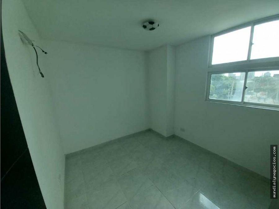 se renta amplio apartamento cerca ocean mall 010