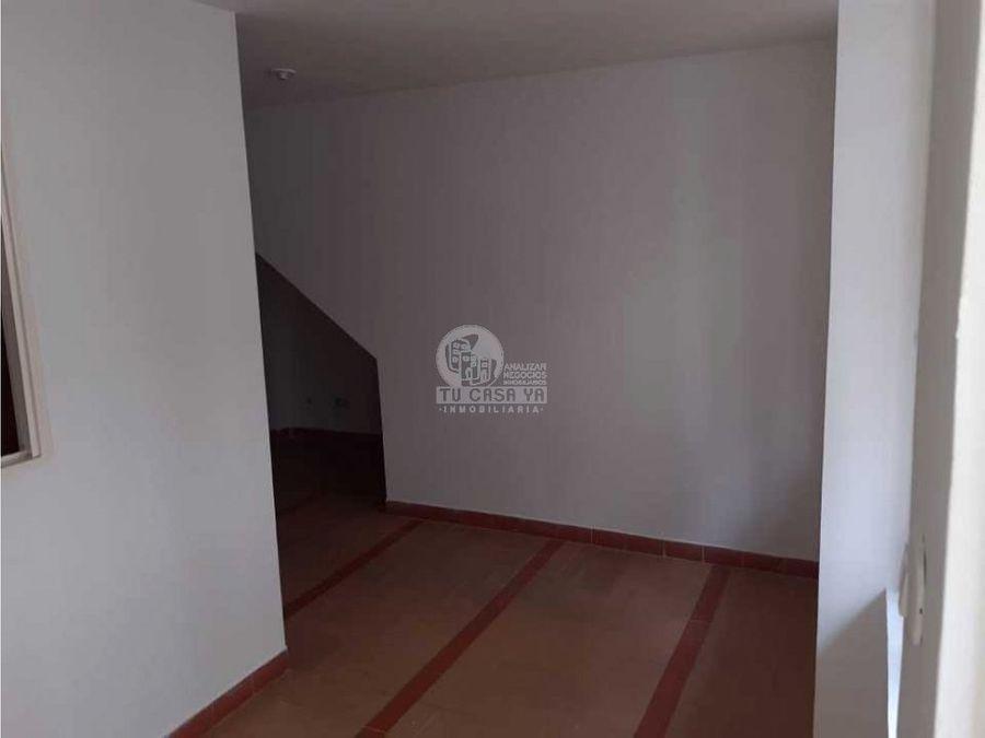 se alquila apartamento piso 1 en el poblado 2 pereira