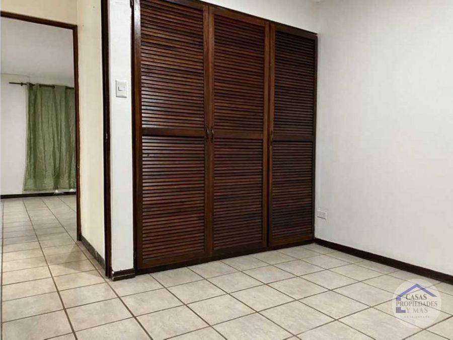 se renta apartamento 2 cuartos ubicado en rohrmoser