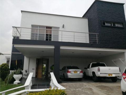 se vende moderna casa campestre en suramerica
