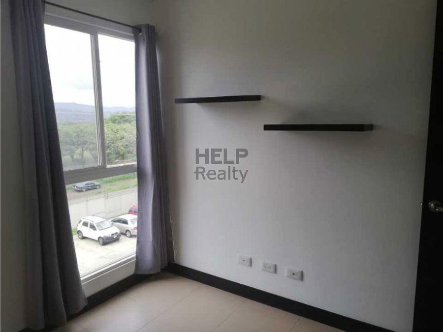se vende apartamento en campo real 910