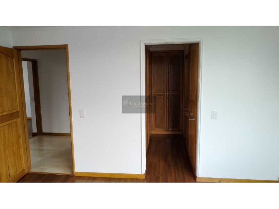 amplio apartamento venta 3 habitaciones y servicio castellana armenia
