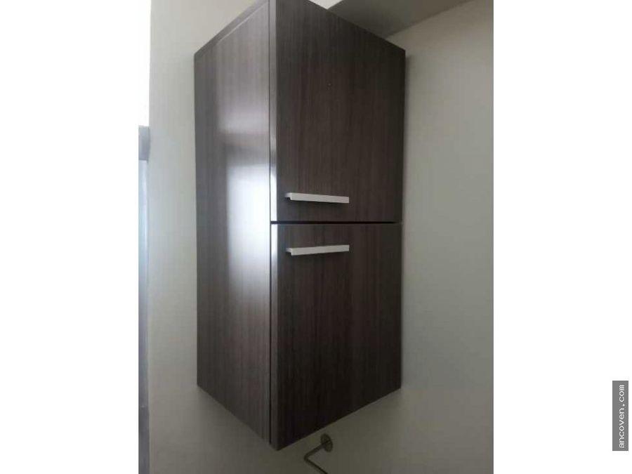 se vende apartamento actualizado en los mangos ancoven premium