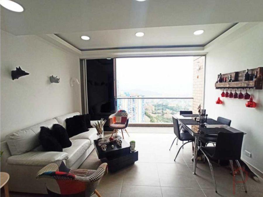se vende apartamento duplex en calasanzmedellin