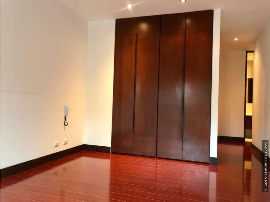 se vende apartamento en chico navarra