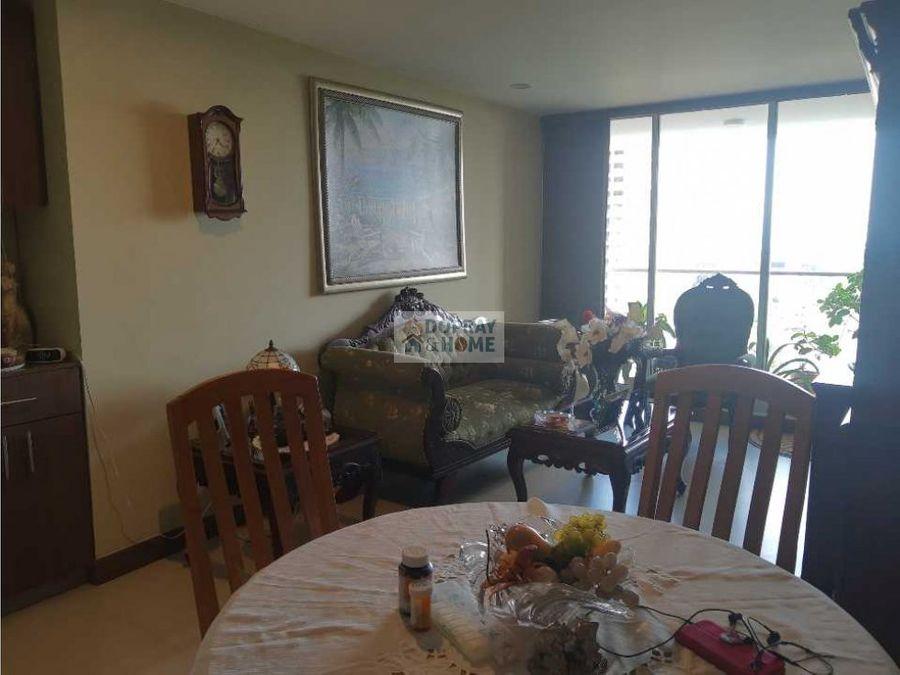 se vende apartamento en la avenida centenario
