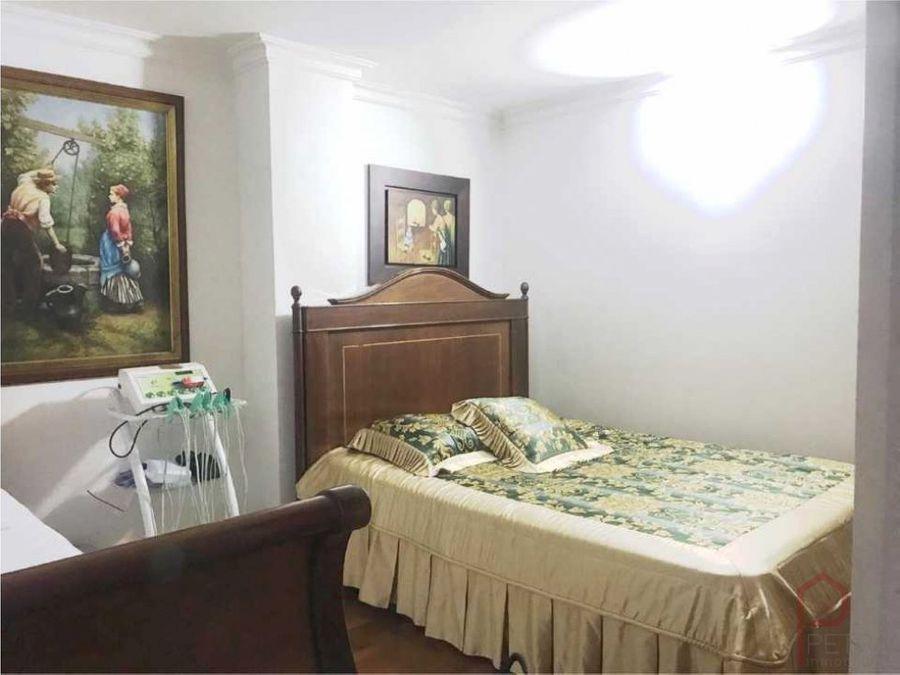 se vende apartamento en laureles santa teresita