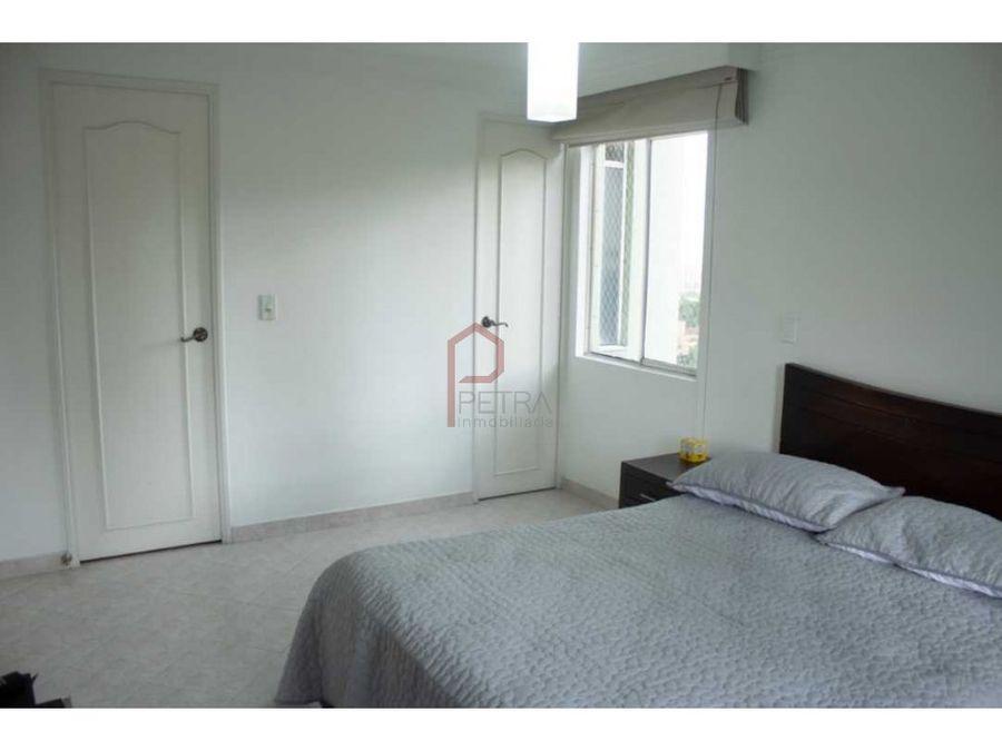 se vende apartamento en loma de los bernal
