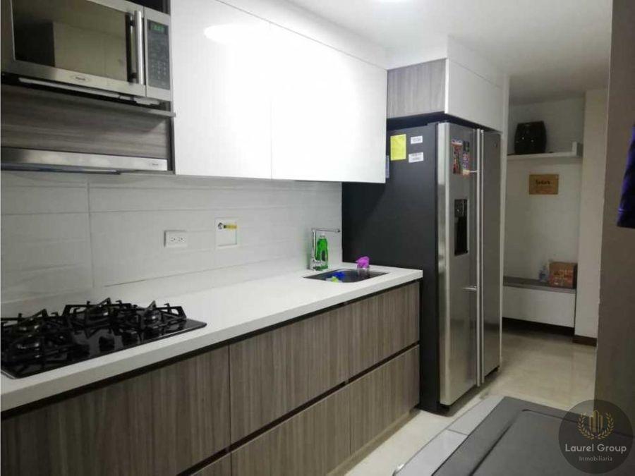 se vende apartamento en loma de los bernal medellin c