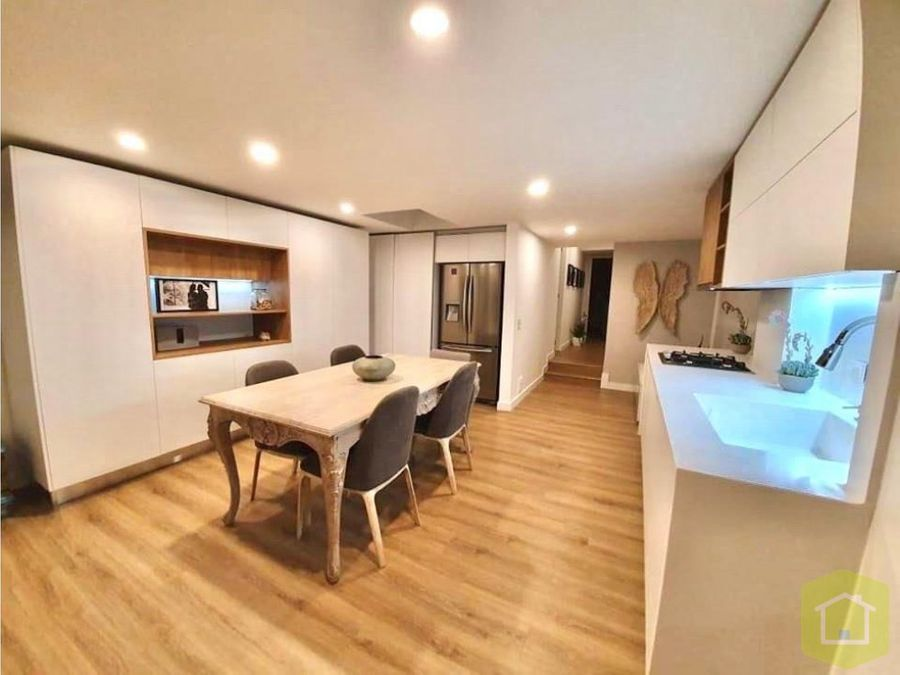 se vende apartamento en santa barbara central