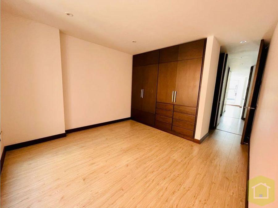 se vende apartamento en unicentro bogota