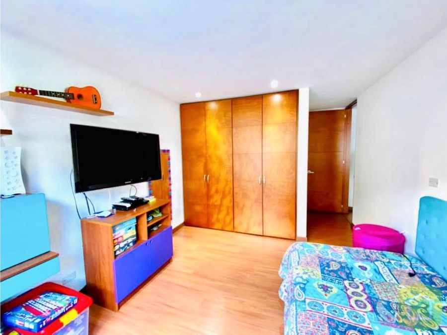 se vende apartamento santa barbara central bogota