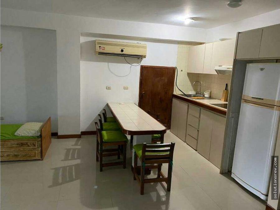 se vende apartamento semi amoblado en tucacas 67mts