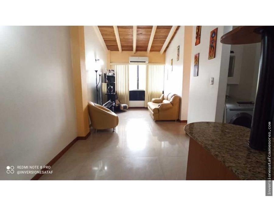 se vende apartamento 68m2 3h 2b 1pe jardines de castillejo guatire