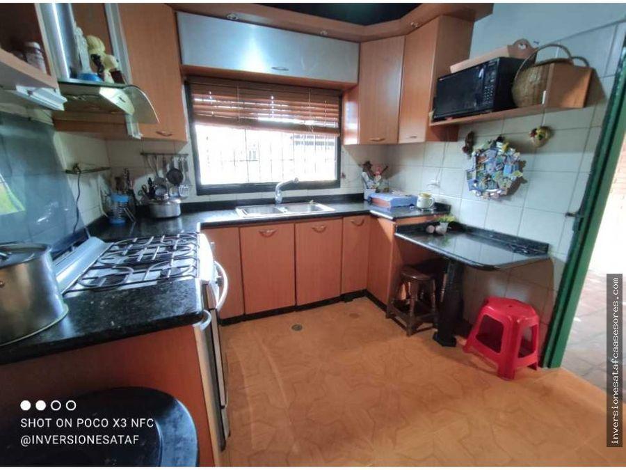 se vende casa 3hab3b3pe residencias alcazar castillejo guatire