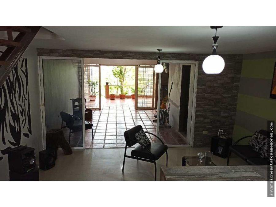 se vende casa 180m2 2h2b1pe san francisco villa avila guatire