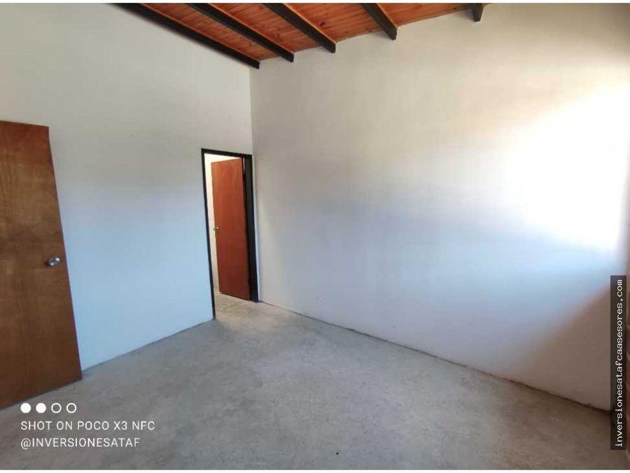 se vende casa 2hab2b4petrza muralla arriba guatire