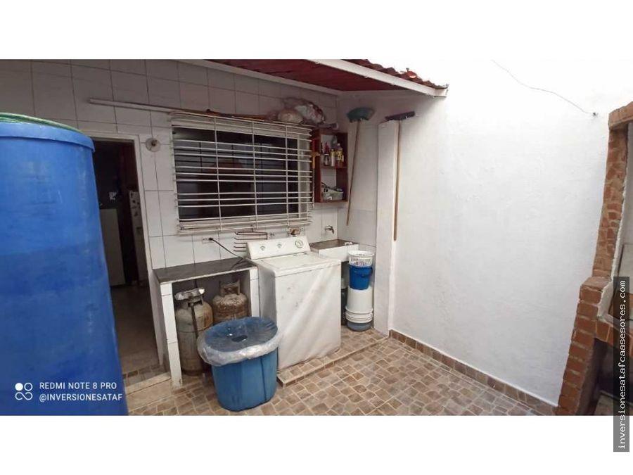 se vende casa 5hab3b2petrza villa del este villa heroica guatire