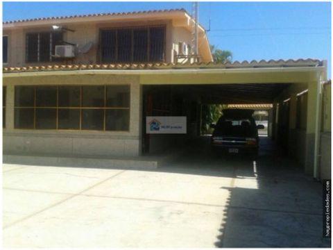 se vende casa 759 m2 4 hab4banos4p higuerote