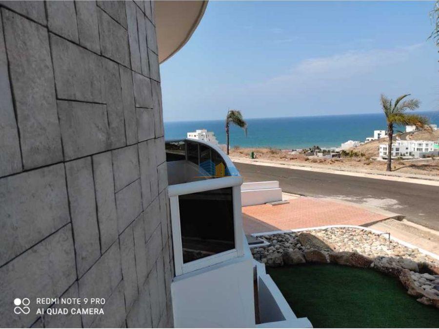 se vende casa con vista al mar y club privado