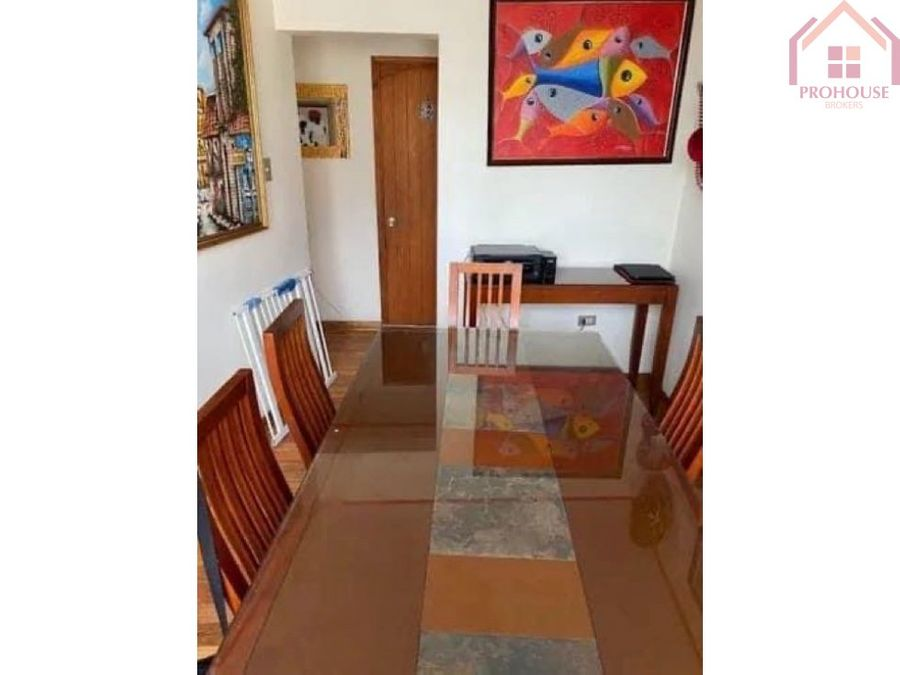 se vende casa de 3 pisos en agua santa