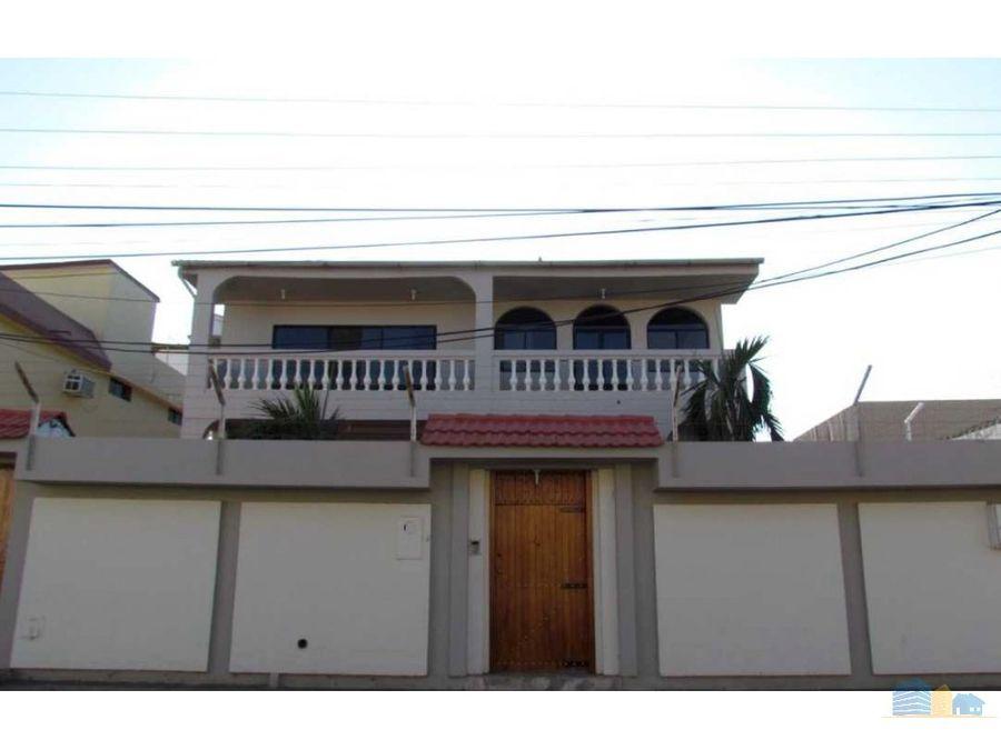 se vende casa de 10 habitaciones