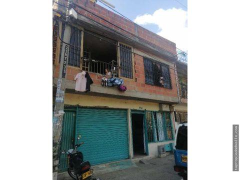 se vende casa de tres pisos independientes comuneros ii