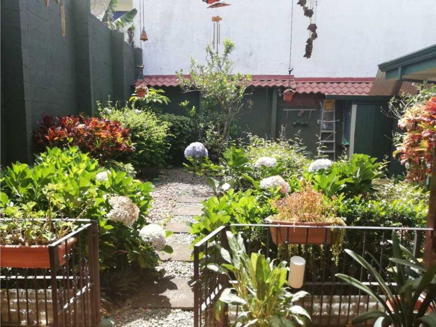 se vende casa de una planta en curridabat