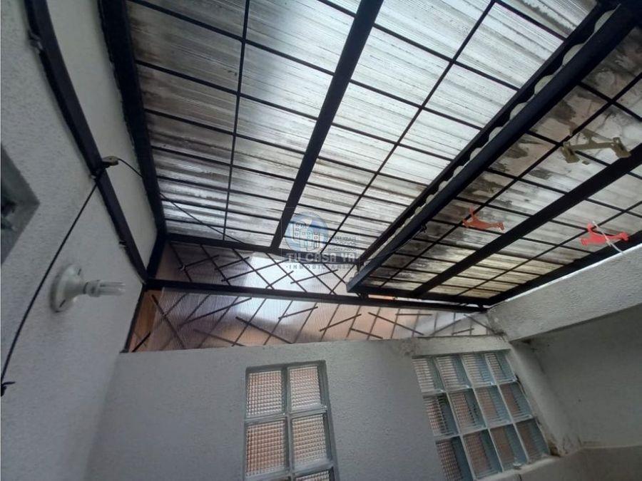 se vende casa duplex recien remodelada
