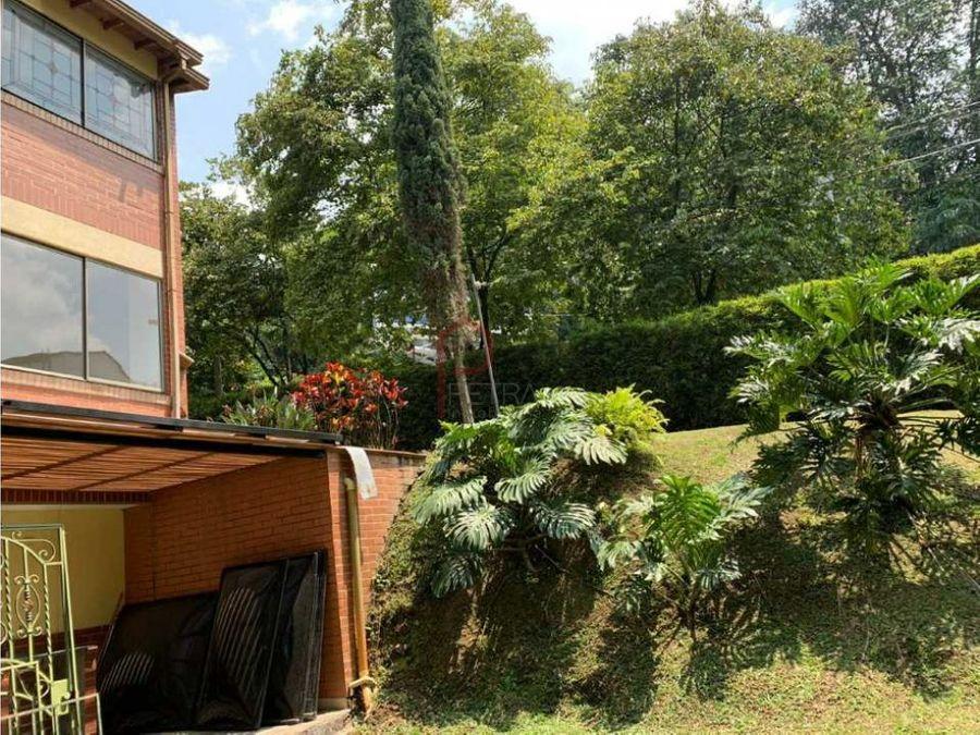 se vende casa en cumbres envigado