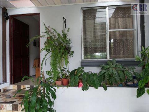 se vende casa en heredia zona residencial