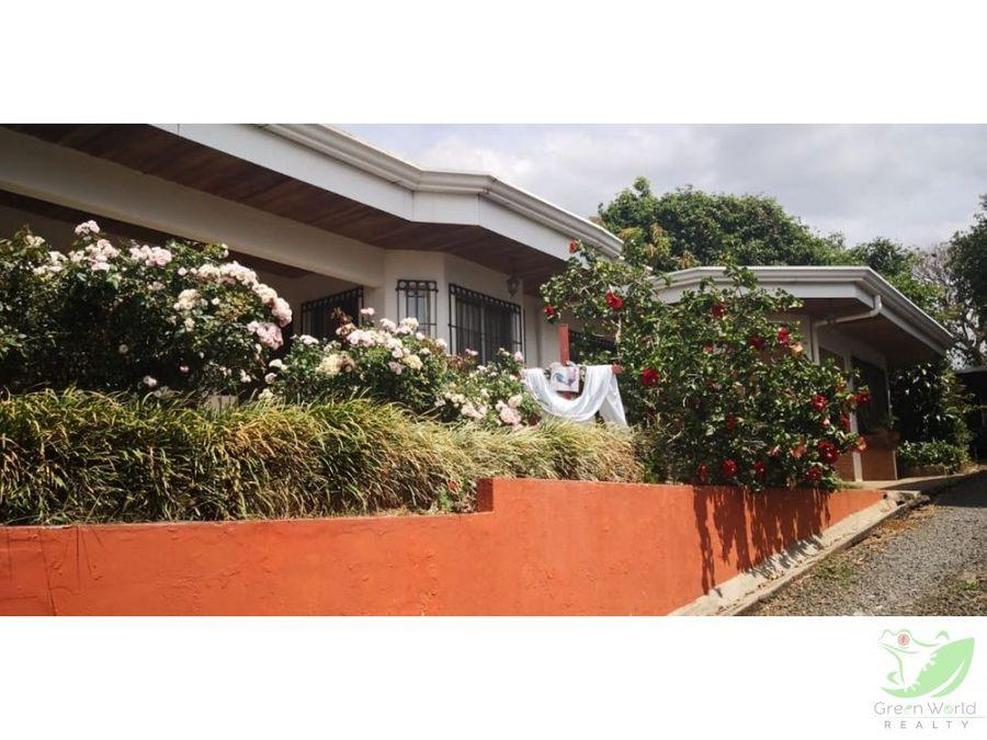 se vende casa en llorente de flores heredia cede deuda 70000