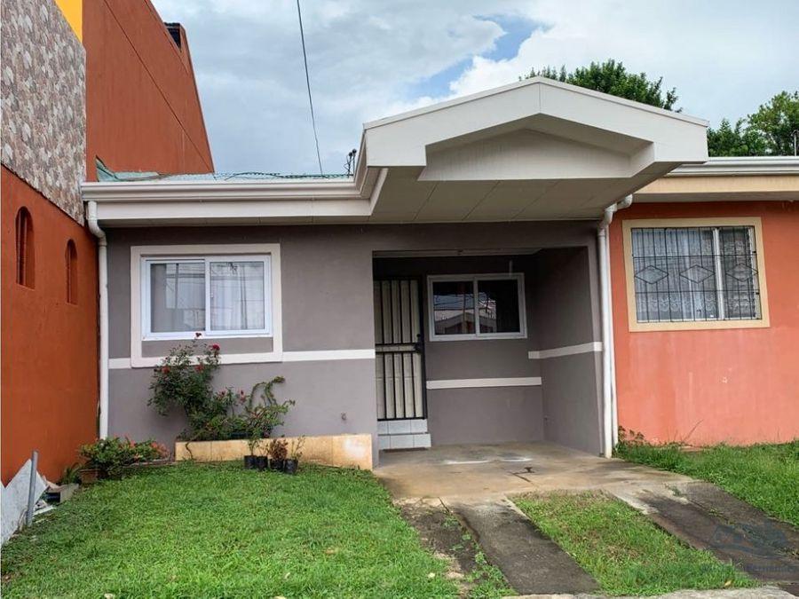 se vende casa en san pablo de heredia