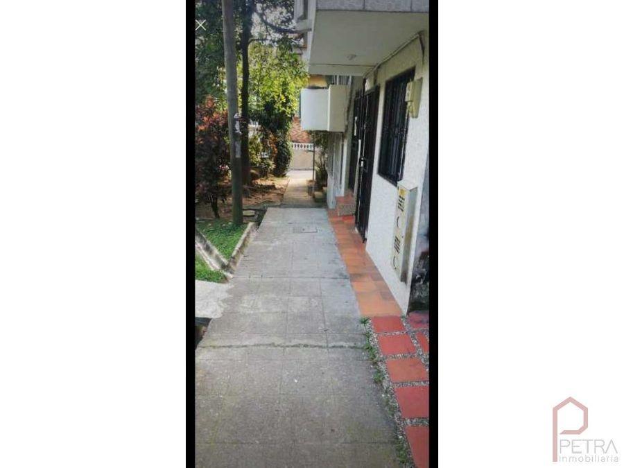 se vende casa primer piso en itagui sector calatrava