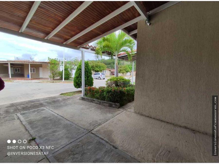 se vende casa quinta 2hab2b2petrza parque res canaima i guatire